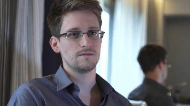 ادوارد اسنودن، افشاگر موضوع جمع آوری اطلاعات شهروندان از سوی دولت آمریکا